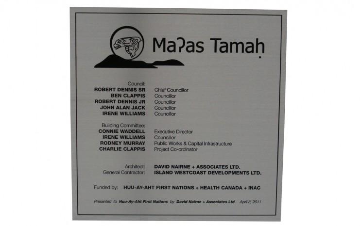 plaque Huu-Ay-Aht First Nations
