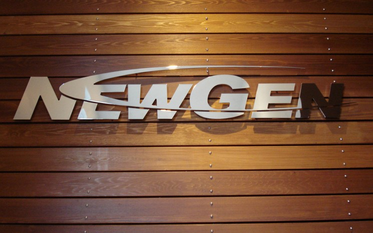 Polished aluminum 3D lettering pin mounted business sign